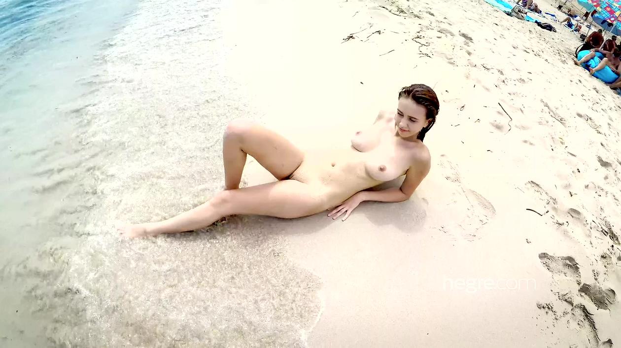 精品hegre超完美女神嫩模身材纤细可波霸又大又挺在风景宜人的海