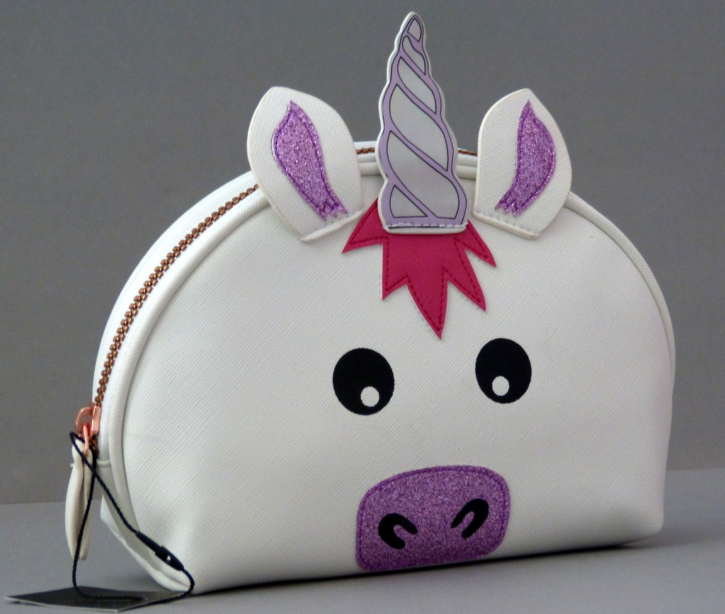neu einhorn unicorn kosmetiktasche schminktasche clutch make up tasche primark ebay. Black Bedroom Furniture Sets. Home Design Ideas